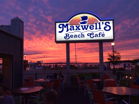 Arnolds Park, IA: Sunsets at Maxwell's are the best sunsets