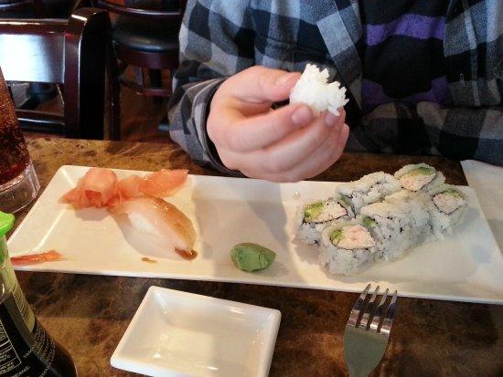 Phelan, Californië: Yum...Sushi!