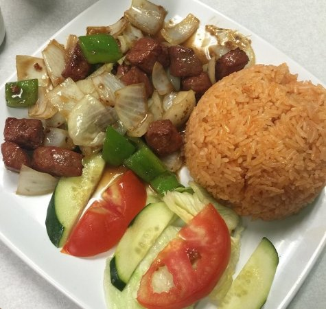 Milpitas, Kalifornia: CUBED BEEF WITH RED RICE