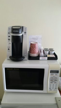 Atlantic Oceanfront Motel: New Keurig in room