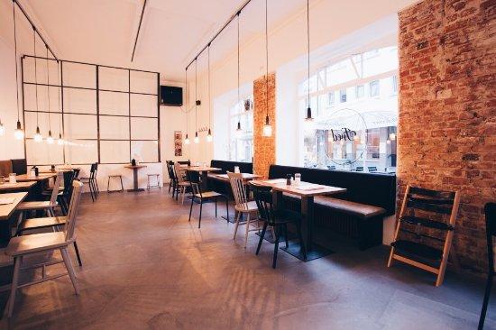 ismerkedés cafe würzburg franciaország senior társkereső oldalak