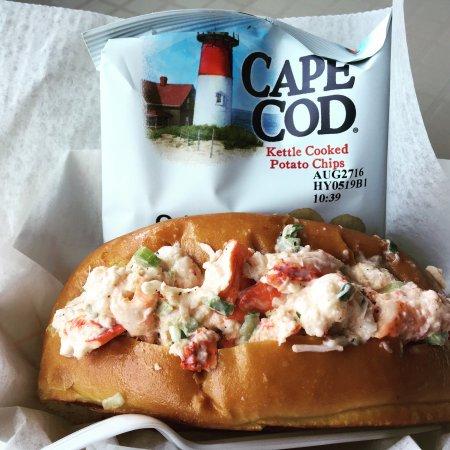 Ice Cream Sandwich: Amazing Lobster Roll!