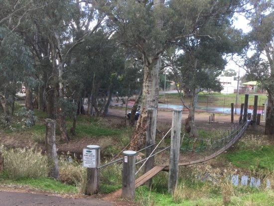 Melrose, Australia: Swing bridge