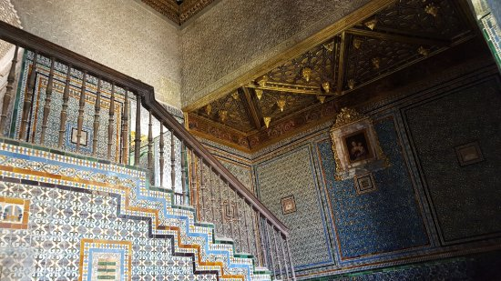 Casa de Pilatos: Just a small example of the colorful tiles that cover almost every wall in this place