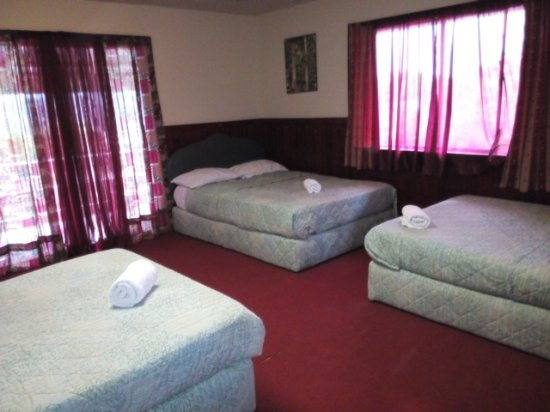 Alibaba Guest House: family room