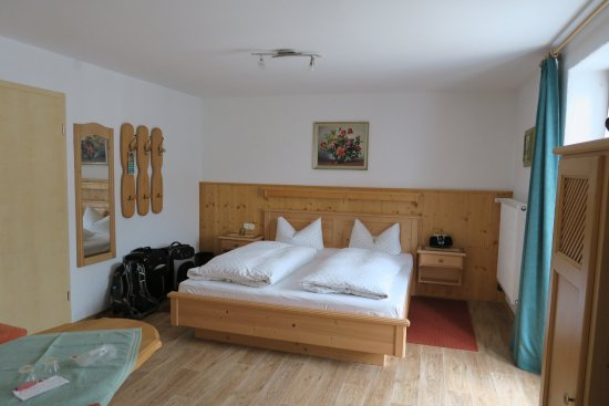 Pension Meisl: Our very spacious room...incredibly clean and comfortable
