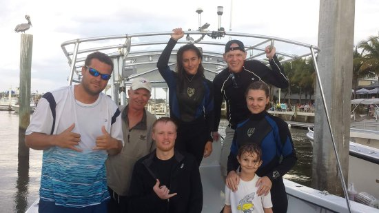 Jupiter, FL: Typical charter group after a great day on the water