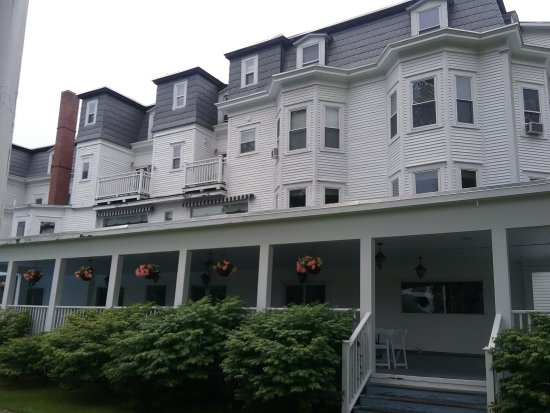 Sugar Hill, NH: Back of Inn
