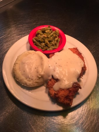 Macon, MO : Chicken Fried Chicken
