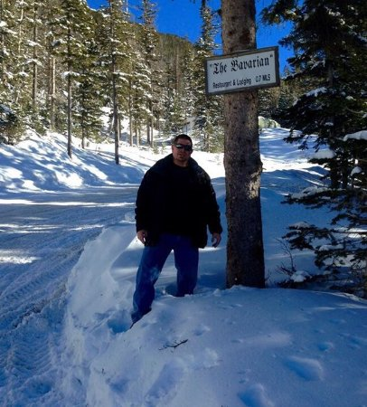 Taos Ski Valley, Nuevo Mexico: We walked from the bottom Ski Valley Parking lot about a 2 1/2 mile hike.