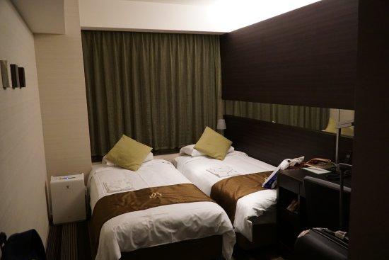 Hotel Brighton City Osaka Kitahama: The room was small but clean.