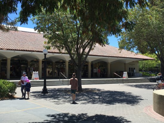 Stanford Bookstore Cafe: photo2.jpg