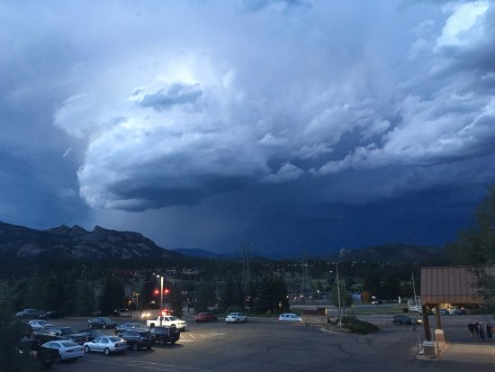 Rocky Mountain Park Inn: storm rolling in - view from 2nd story room