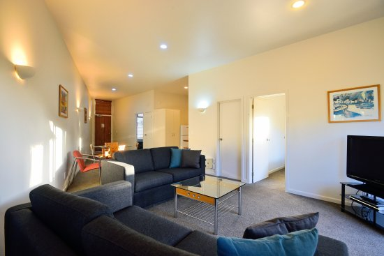Ocean Beach Motor Lodge : 2 BEDROOM LOUNGE