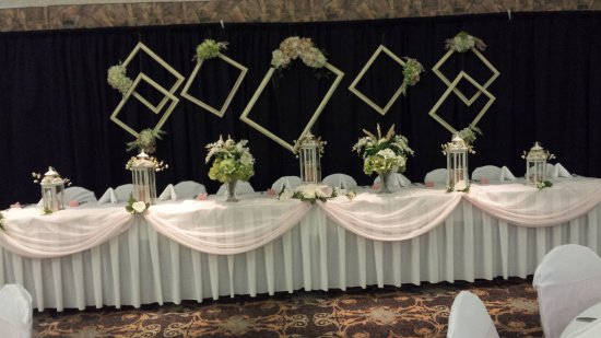 Shilo Inn Suites Hotel - Klamath Falls: This is a picture of the Head Table at the reception.