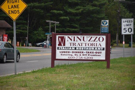 Cream Ridge, Nueva Jersey: Ninuzzo Trattoria : Road Side Sign