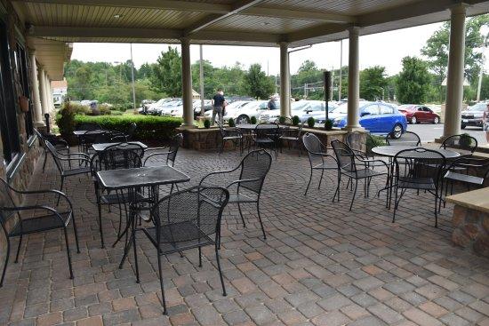 Cream Ridge, Nueva Jersey: Ninuzzo Trattoria : Outdoor Seating