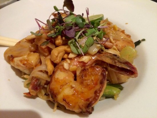 Attractive Naked Oyster Bistro And Raw Bar: Thai Shrimp Rice Noodles