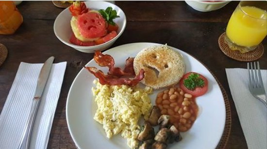Umah Watu Villas: our farewell breakfast - sad to see us go