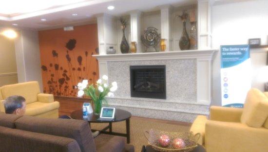 Sleep Inn & Suites I-45 / Airtex: Reception lobby