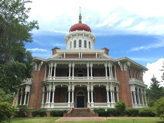 Natchez, MS: Isn't she a beauty?