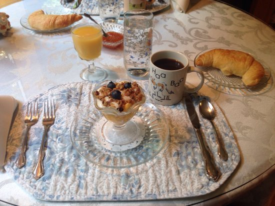 Salkum, วอชิงตัน: Breakfast at the Shepherd's. Yummy!