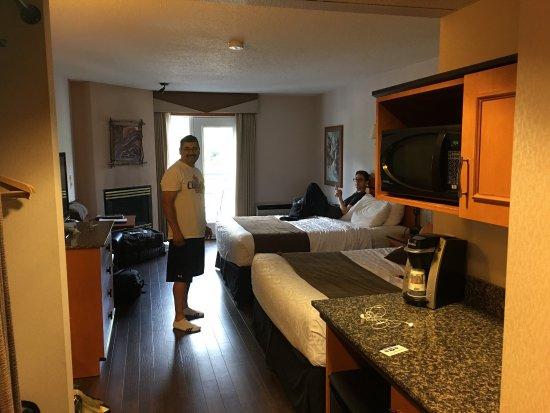 BEST WESTERN Pocaterra Inn: photo2.jpg