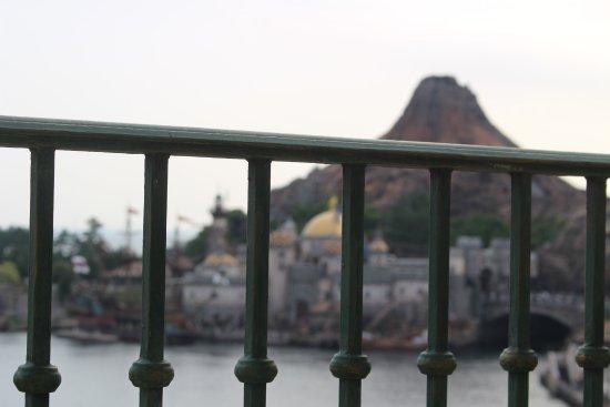 Tokyo DisneySea Hotel MiraCosta: 部屋からの景色。