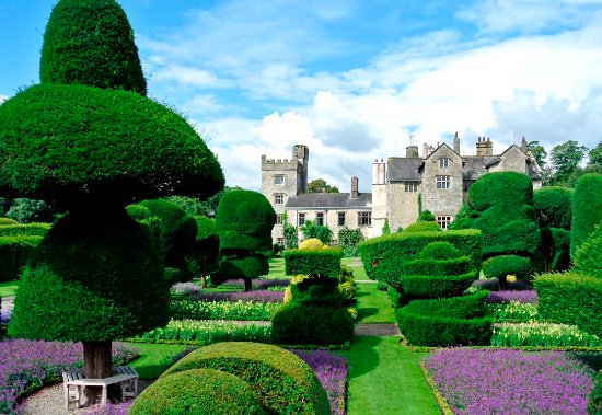 Kendal, UK: Levens Hall and Topiary Garden
