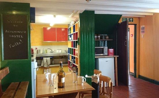 Achiltibuie, UK : Open plan kitchen and dining room