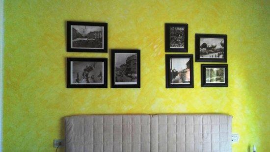 Vanzago, Italien: Camera gialla particolare