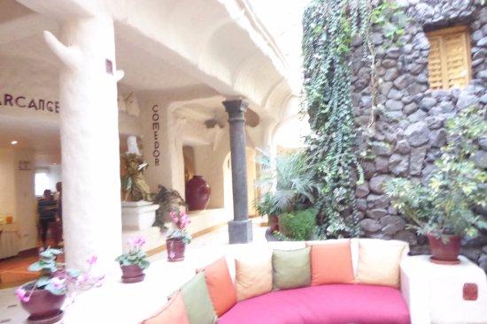 San Agustin International Hotel: salon