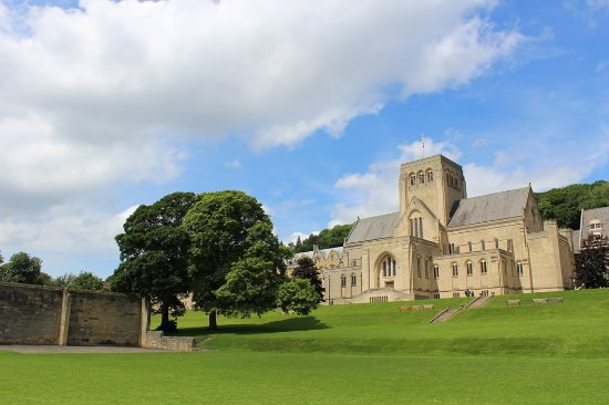 ‪Ampleforth Abbey‬