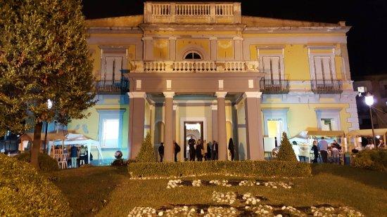 Risultati immagini per parco villa savonarola portici