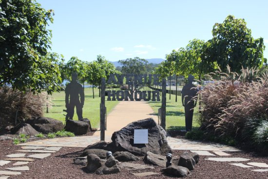 Avenue of Honour Yungaburra