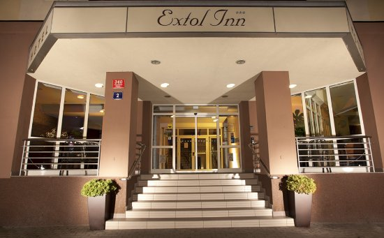 Extol Inn: Entrance