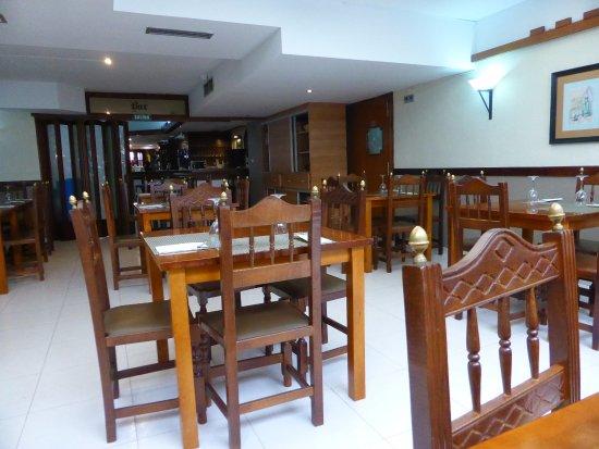 Sanguesa, Spagna: Interior del restaurante