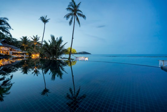 Anantara Lawana Koh Samui Resort: Infinity Pool