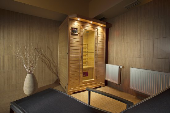 Extol Inn: Infrared sauna
