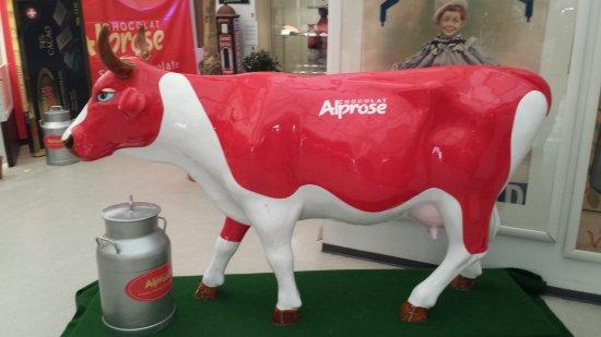 Caslano, Suisse : Markenzeichen-Kuh der alprose SA