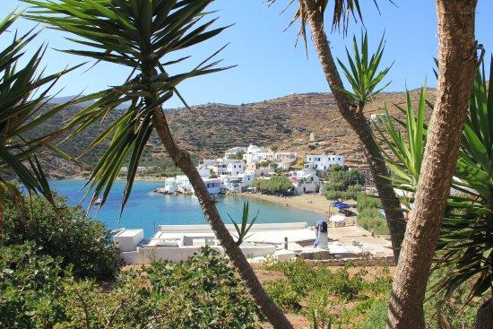 Villa Maria: Terrasse : vue sur le port et la plage de Faros