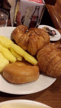 Hotel Urquinaona: Breakfast