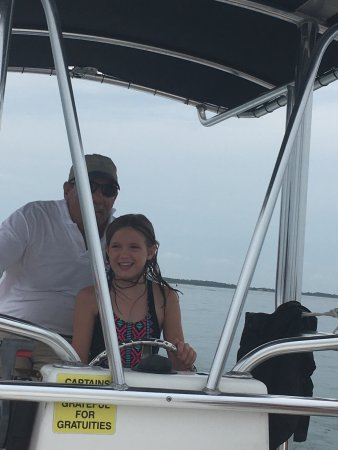 Beaufort, NC: 1st boat ride ever and she got to drive! Captains were fantastic... fun and knowledgable. This w