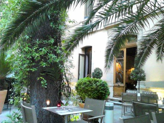 Restaurant Terrasse Carre D Art Nimes