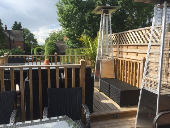 Marston Montgomery, UK: Patio Heaters & Decking