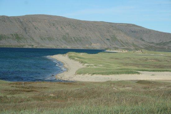 Latrabjarg, Islandia: Spiagge bianche nei pressi di Hvalsker sul Osafjordur