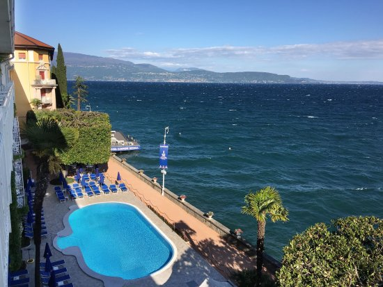 Grand Hotel Gardone: Pool and Jacuzzi