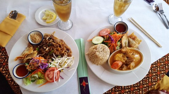 Saladang Song: Pad Thai and Chicken Curry
