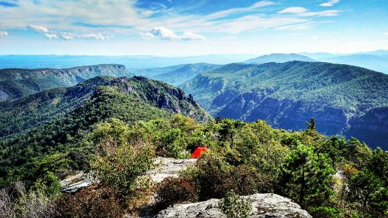 Linville Falls Campground RV Park & Cabins: Short drive to Table Rock Mtn Trail
