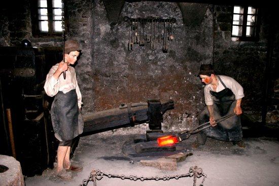 Jesenice, Eslovênia: blacksmith - Ruard manor